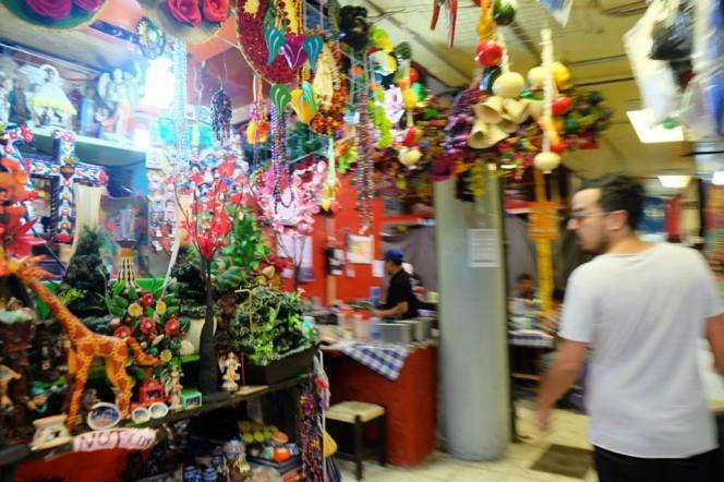 Ernesto en el mercado de Coyoacán